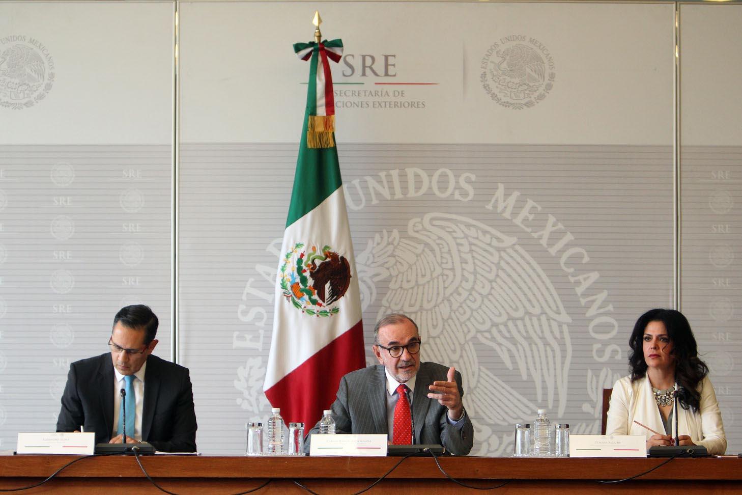 MEXICANOS Y MEXICANAS