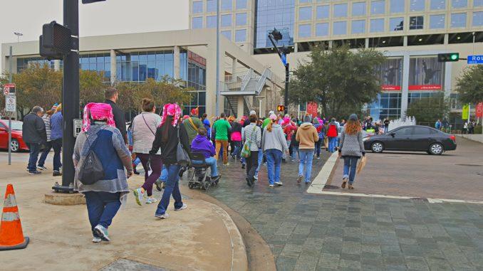 Miles marchan en Dallas, y el resto del país || El Hispano News